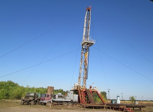 "50 WELLS UNDER THE FLAG OF GeoSynthesis! Utilization of the ""BIOCAR-Block"" System for Workover Operation on Another Well"